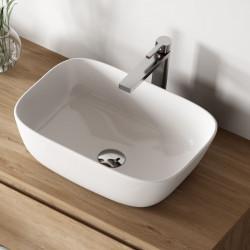 vasque-rectangulaire-ceramique-blanche-Avignon-46x33-cm-posée-sur-un-meuble-en-bois