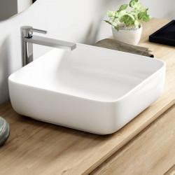 vasque-ceramique-blanche-a-poser-albufeira-39x39-cm-posée-sur-un-meuble-de-salle-de-bains-en-bois
