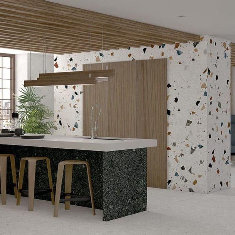 stracciatella-nacar-60x60-granito-terrazzo-blanc-mur-cuisine