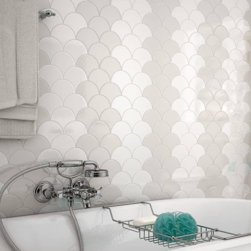 carreau-ecaille-de-poisson-Scale-blanc-brillant-106x120-mm-mur-salle-de-bain