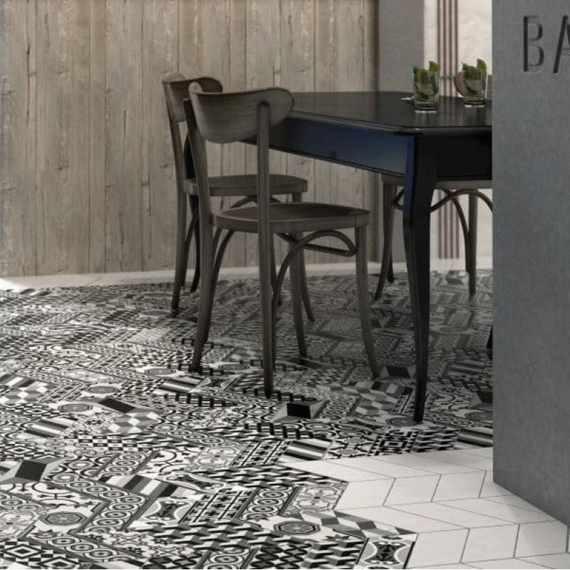 sol-restaurant-carrelage-forme-chevron-patchwork-decor-noir-blanc-90x205-mm