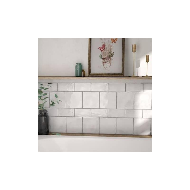 carrelage-aspect-bossele-zellige-Splendours-150x150-et75x150-mur-derriere-baignoire