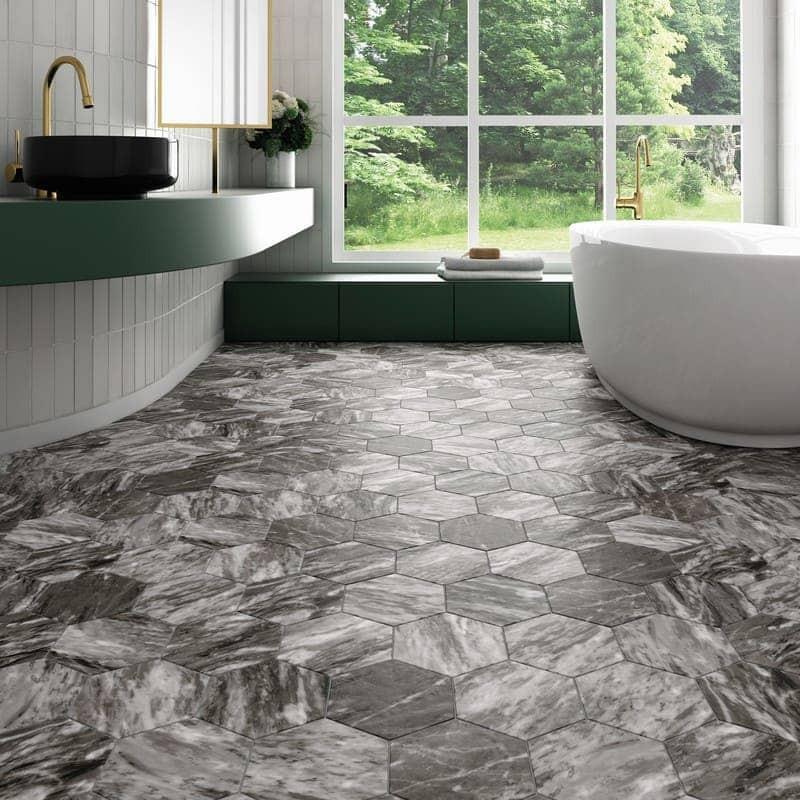 sol-salle-de-bains-carrelage-hexagonal-gris-fonce-bardiglio-marbre dark-175x200-mat