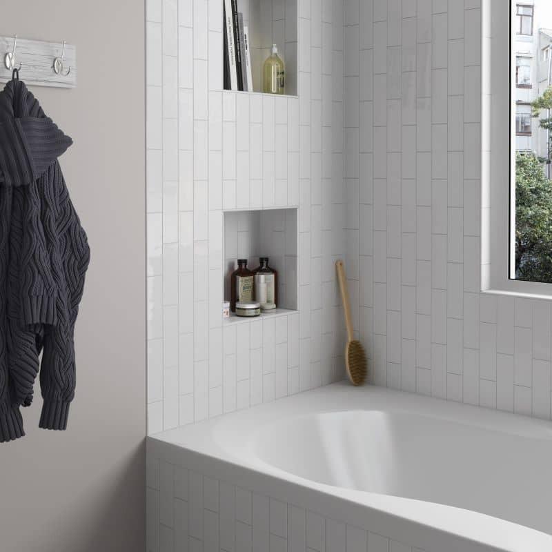 mur-salle-de-bains-carrelage-132x400-mm-blanc-brillant-country-blanco