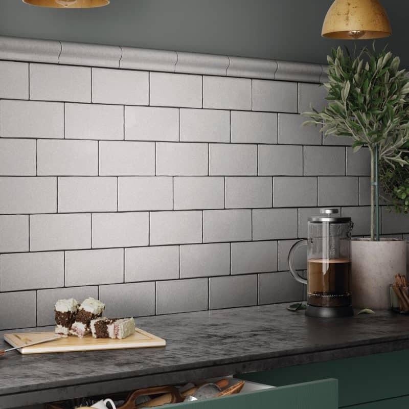 faience-unie-style-metro-plat-masia-blanco-mate-75x150-mm-mur-cuisine-moderne