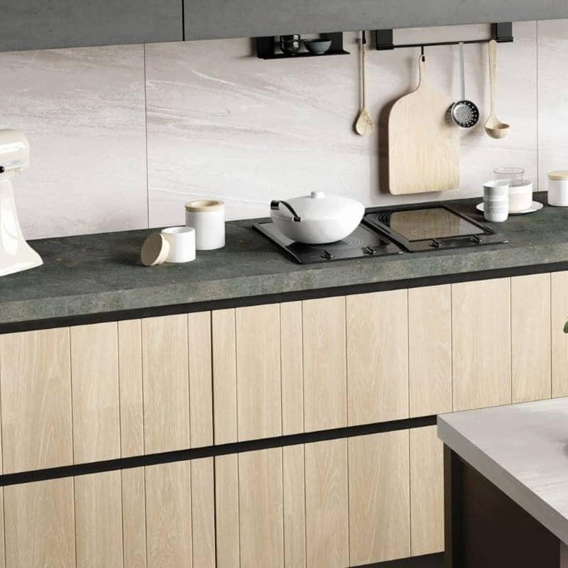 credence-de-cuisine-carrelage-effet-pierre-blanche-comfort-s-white-60x120