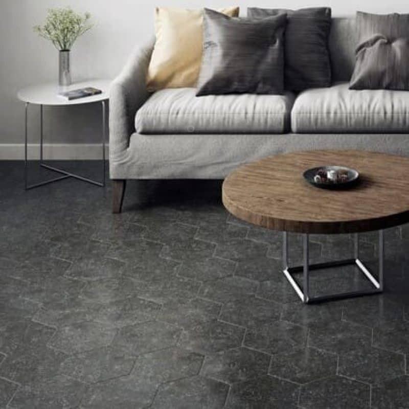 sol-sejour-moderne-carrelage-hexagonal-coralstone-black-292x254-effet-pierre-noire