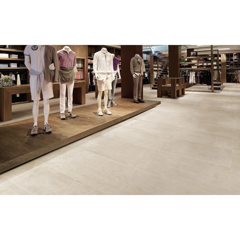 carreau-effet-beton-blanc-nuance-approach-white-60x60-au sol-d-un-magasin