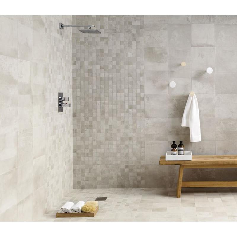 mur-et-sol-douche-italienne-avec-mosaique-5x5-entropia--bianco