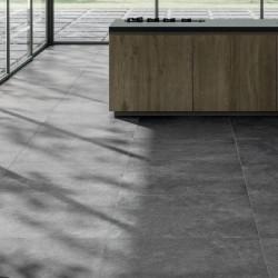 sol-cuisine-meuble-bois-contemporaine-carrelage-pierre-noire-90x90-district-zinc-rectifie