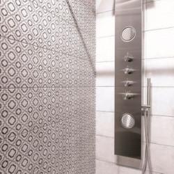 carreau-de-ciment-a-motif-22.3x22.3-aux-murs-d-une-salle-de-bains-Retro-deco-2