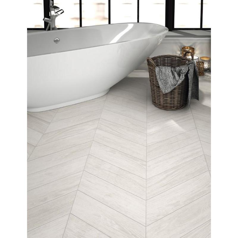 carrelage-imitation-parquet-chevron-70x40-diamond-timber-ash-right-left-au-sol-d-une-salle-de-bains