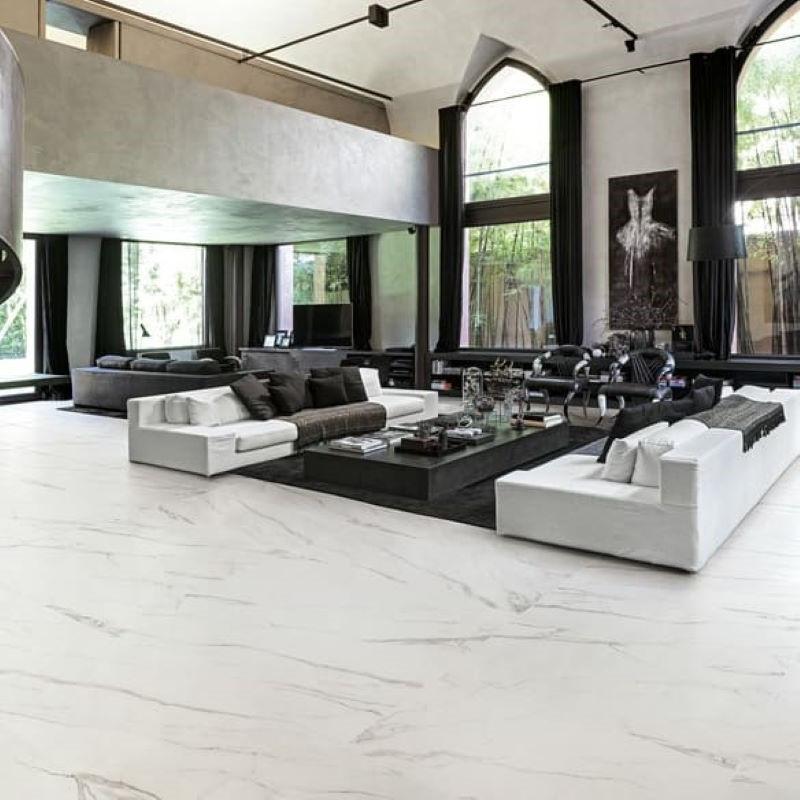 carrelage-aspect-marbre-blanc-calacatta-Majestic-evo-585x1172-mm-sol-sejour
