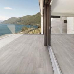 carrelage-exterieur-imitation-bois-gris-moderne-20x120cm-rectifie-carinzia-gris