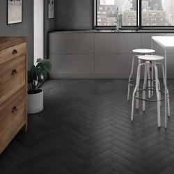 sol-cuisine-carrelage-noir-92x368-mm-pose-en-chevron-Babylone-noir