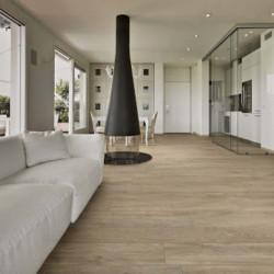Sejour-avec-sol-carrelage-imitation-parquet-huile-fonce-moderne-rectifie-20x120cm-barrique