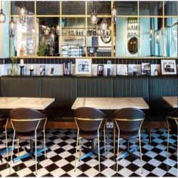 carrelage-damier-20x20-noir-et-blanc-mat-sol-d-un-restaurant-deco-retro