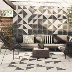 carreau-de-ciment-imitation-motif-triangle-antique-diagonal-33x33-cm-au-mur-d-une-terrasse