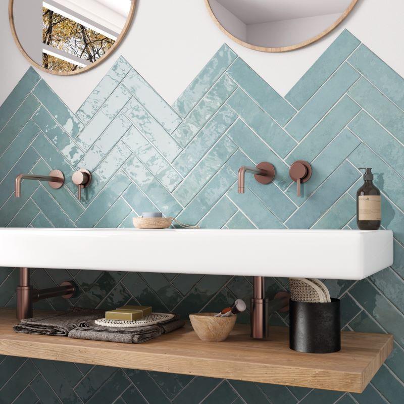 carrelage-aspect-zellige-tribeca-watercolor-vert-d-eau-60x246-mm-salle-de-bains-