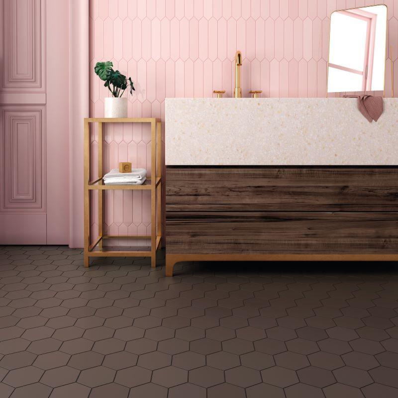 salle-de-bain-carrelage-hexagonal-marron-kromatika-brown-116x101-pour-sol-et-mur