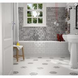mur-salle-de-bains-faience-metro-decor-patchwork-bw-metro-paris-et-metro-blanc-75x150